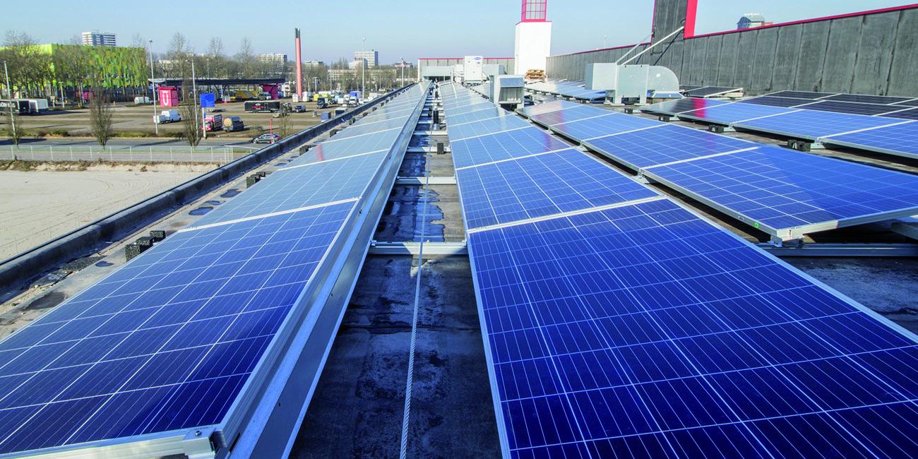 kantoor jongerius zonnepanelen dak installatie